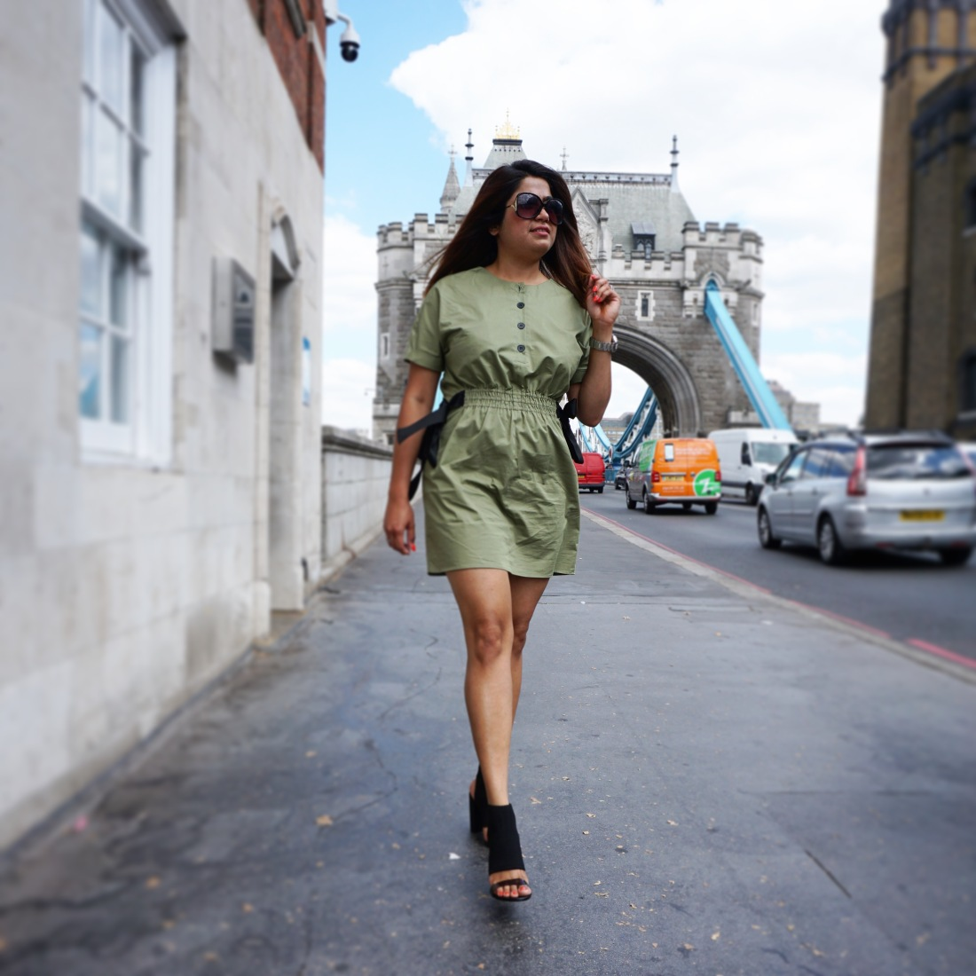 summer dress , autumn colour , London fashion, olive green