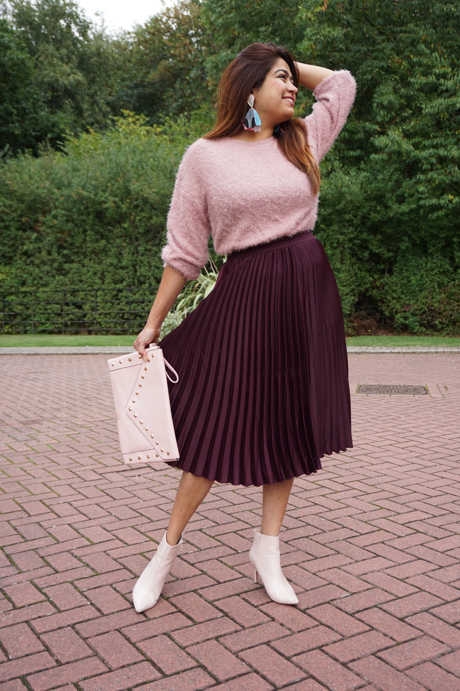 pleated skirt , jumper & ankle length boots